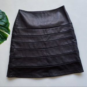 DIANE VON FUSTENBERG | LEATHER  |MINI SKIRT a22